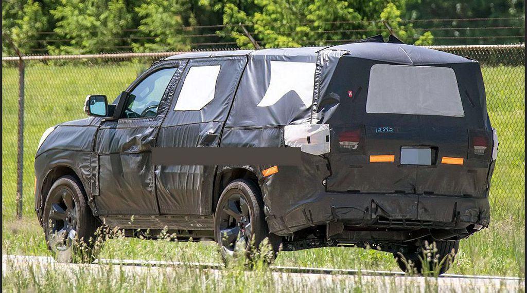 2022 Jeep Grand Wagoneer Reveal Crash Test