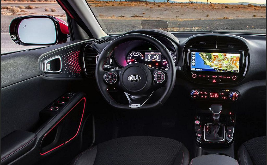 2022 Kia Soul Reviews Price Brochure Images
