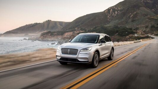 2022 Lincoln Town Car Concept Pictures