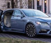 2022 Lincoln Town Car Signature Limited Images