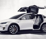 2022 Tesla Model X Pictures