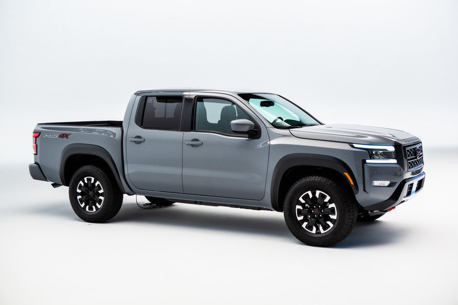 2022 Nissan Frontier Accessories Access Cab Images