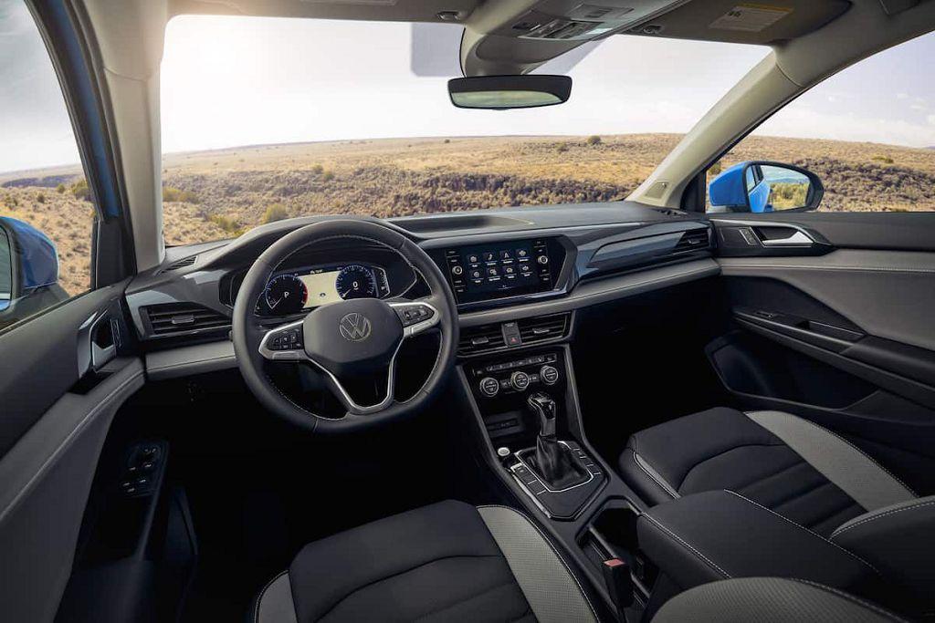 2022 Volkswagen Taos Highline Tim Hortons