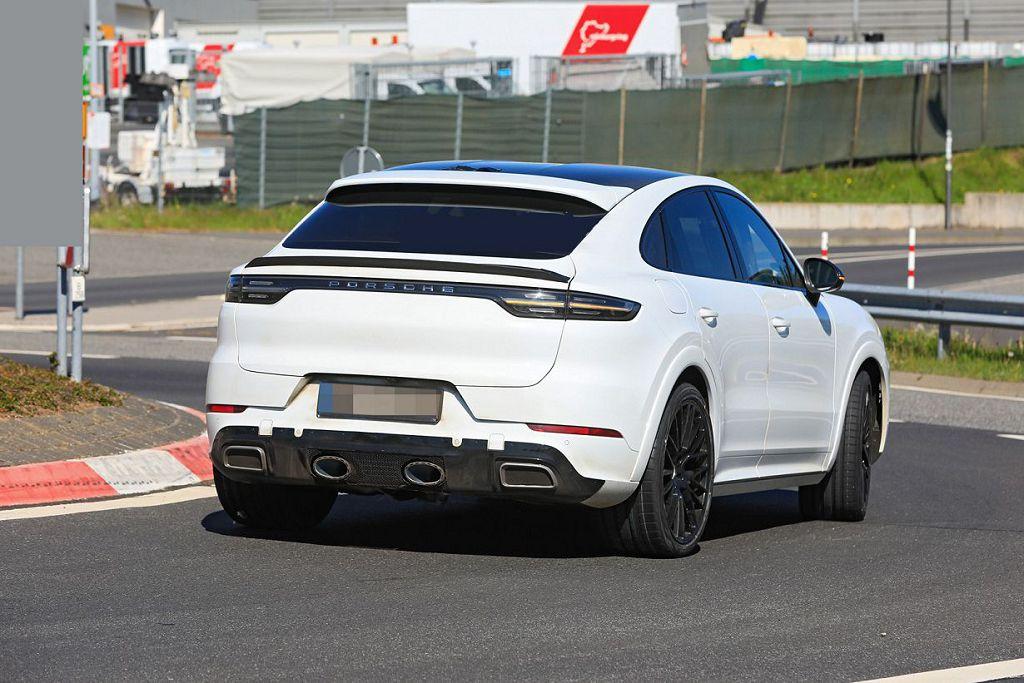 2022 Porsche Cayenne E Hybrid Changes