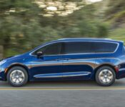 2022 Chrysler Pacifica Msrp Models
